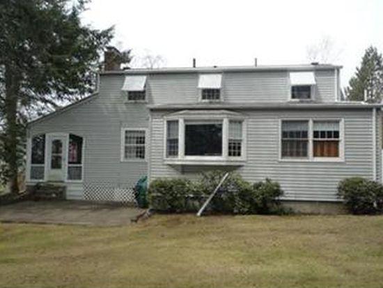 71 Applegate Rd, Cranston, RI 02920