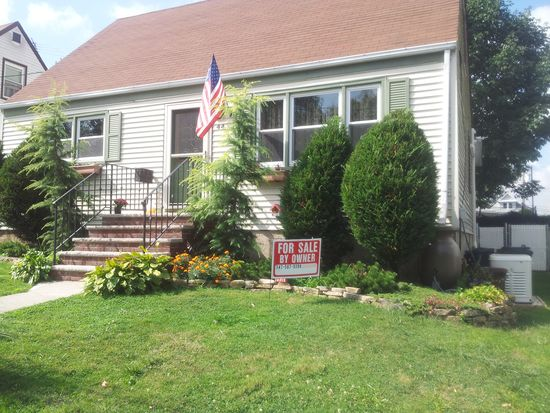 44 Clermont Pl, Staten Island, NY 10314