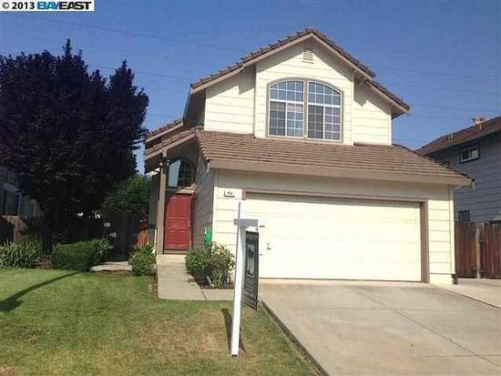 954 Bellflower St, Livermore, CA 94551