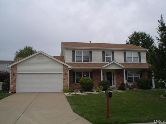 913 Lands End Cir, Saint Charles, MO 63304