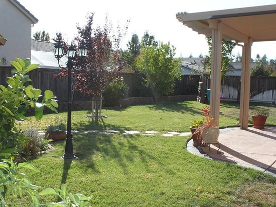 8824 Staplehurst Way, Elk Grove, CA 95624