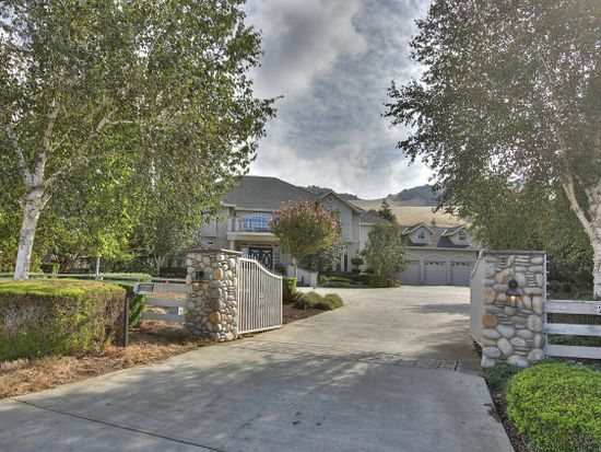 2490 Howell Ln, Gilroy, CA 95020