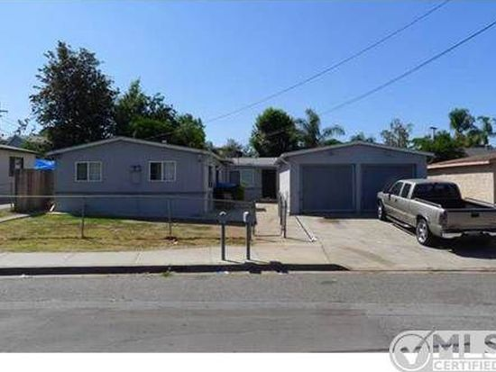 339-341 Townsite Dr, Vista, CA 92084