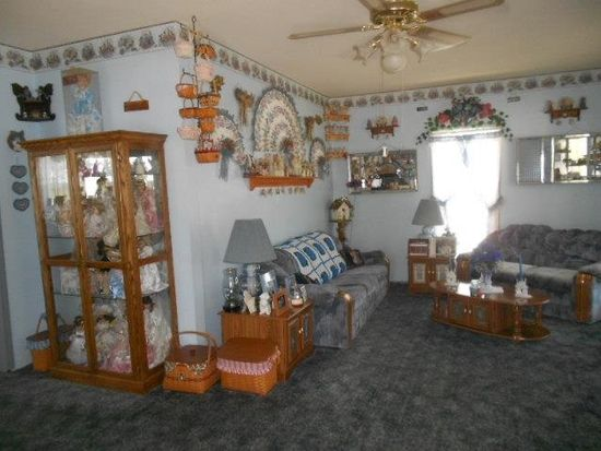 407 S 7th St, West Terre Haute, IN 47885