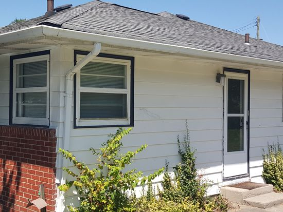 2824 W 18th St, Anderson, IN 46011