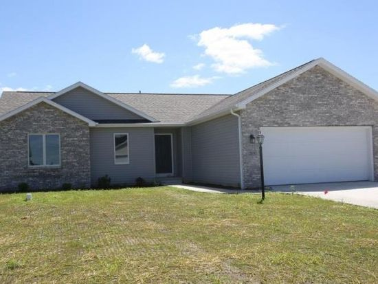 12830 Winding River Dr, Middlebury, IN 46540