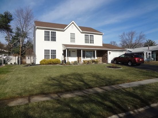 73 Gabriel Ln, Willingboro, NJ 08046