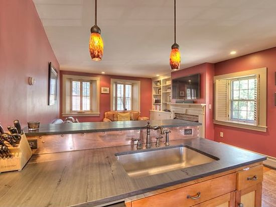 293 Maplewood Ave # 293R, Portsmouth, NH 03801