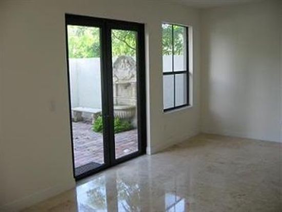 3063 Indiana St # 16, Miami, FL 33133