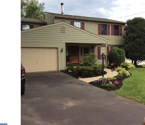 832 Clay Ave, Langhorne, PA 19047