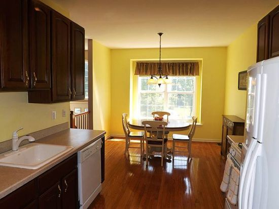 551 Coventry Dr, Nutley, NJ 07110