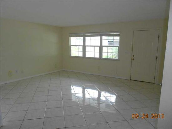 1332 Whitmore St, Sebastian, FL 32958
