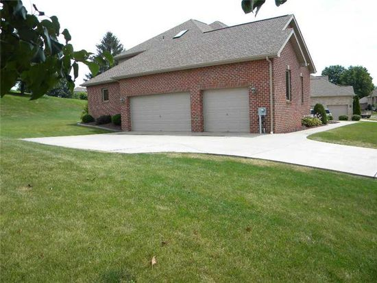 801 Westminster Dr, North Huntingdon, PA 15642