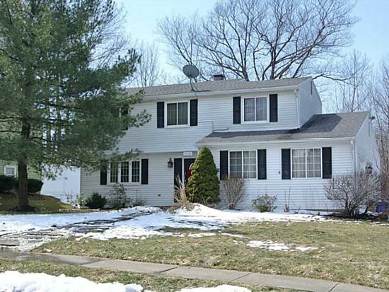 5530 Fayland Dr, Erie, PA 16509