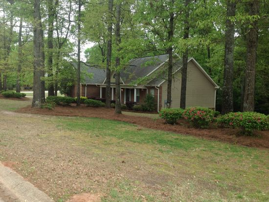 407 Sleepy Ln, Warner Robins, GA 31088