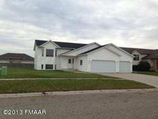 1598 Baywood Dr, West Fargo, ND 58078
