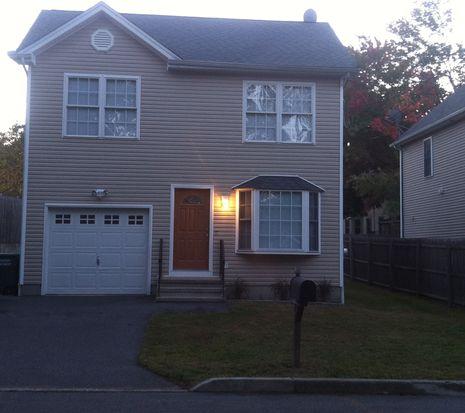 44 Wing St, Bridgeport, CT 06606