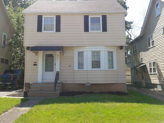 896 Elbon Rd, Cleveland Heights, OH 44121