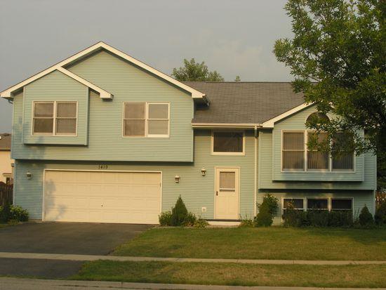 1419 Lakewood Dr, Joliet, IL 60431