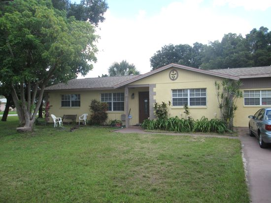 133 Circle Dr, Fort Myers, FL 33905