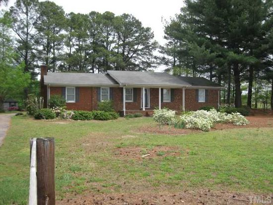 2006 County Line Rd, Angier, NC 27501