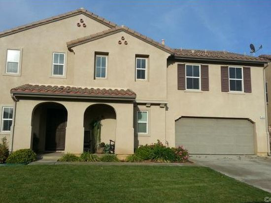 1452 Tours Ct, Beaumont, CA 92223