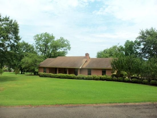 100 Allenwood Dr, Carthage, MS 39051