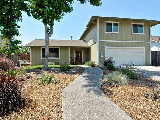 1667 Oneel Dr, Petaluma, CA 94954