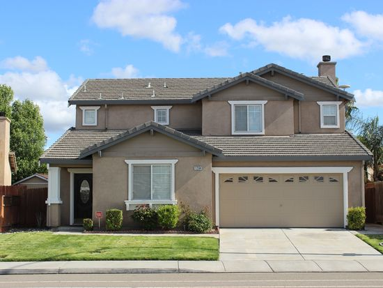1284 Crossroads Dr, Tracy, CA 95377