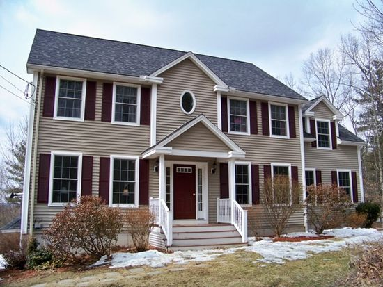 33 Snell Rd, Lee, NH 03861