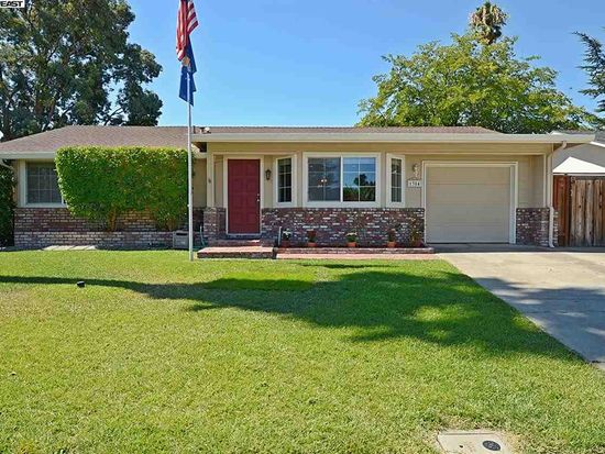 1384 Tulip Way, Livermore, CA 94551