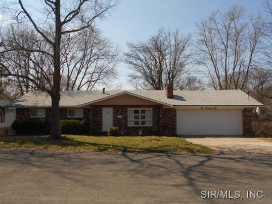 110 Moonlight Dr, Collinsville, IL 62234