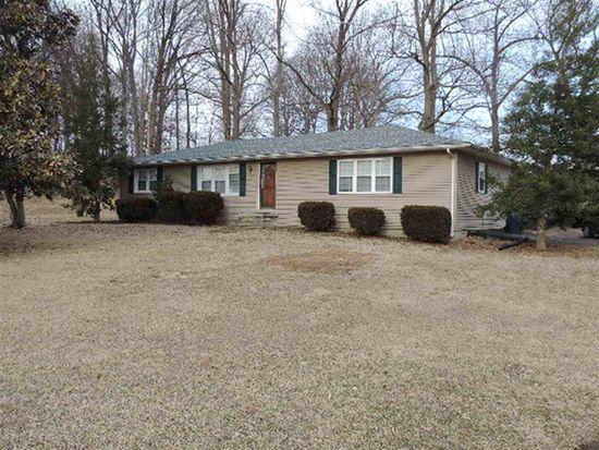 10262 Smith Grove Rd, Scottsville, KY 42164