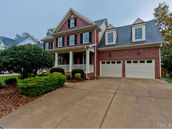 317 Chrismill Ln, Holly Springs, NC 27540