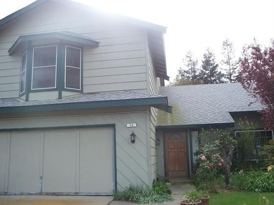 52 Willowood Dr, Oakdale, CA 95361