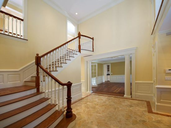 2 Old Town Rd, Wellesley, MA 02481