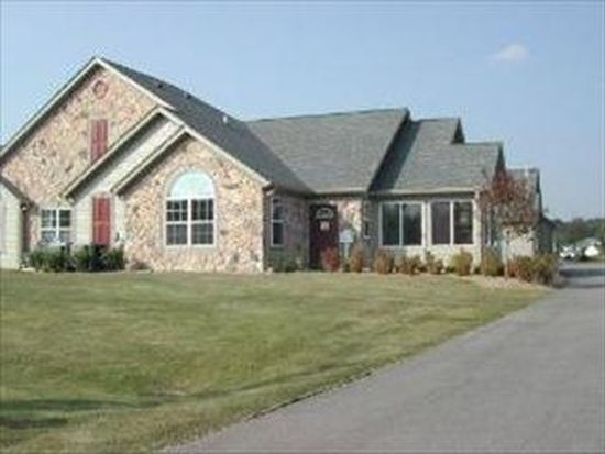 2014 Olmstead Dr, Woodstock, IL 60098