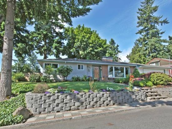 15925 SE Wallace Rd, Milwaukie, OR 97267