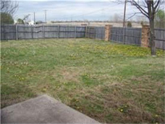 1617 Creek Bank Ln, Arlington, TX 76014