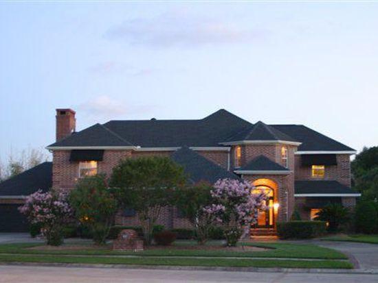 423 Kings Row, Port Neches, TX 77651