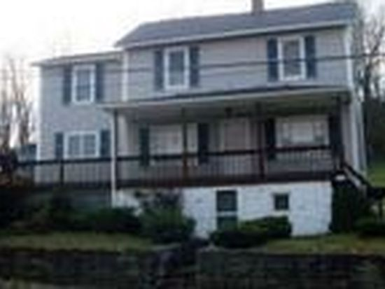 198 Pomroys Dr, Windber, PA 15963
