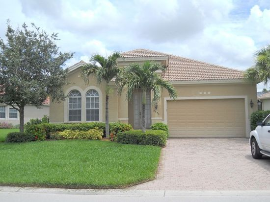 8940 Crown Colony Blvd, Fort Myers, FL 33908
