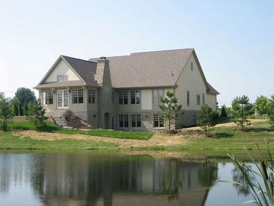 7643 Carriage House Way, Zionsville, IN 46077