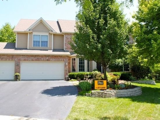 3811 King Richard Ct, Saint Charles, IL 60174