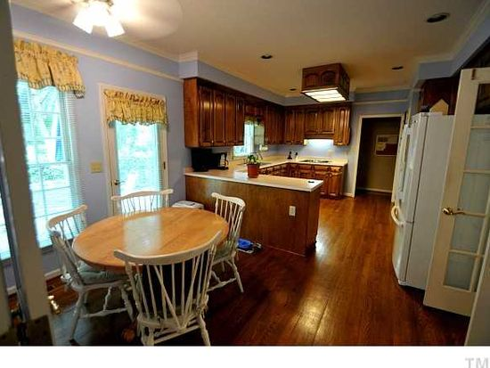 106 Turnberry Ln, Cary, NC 27518