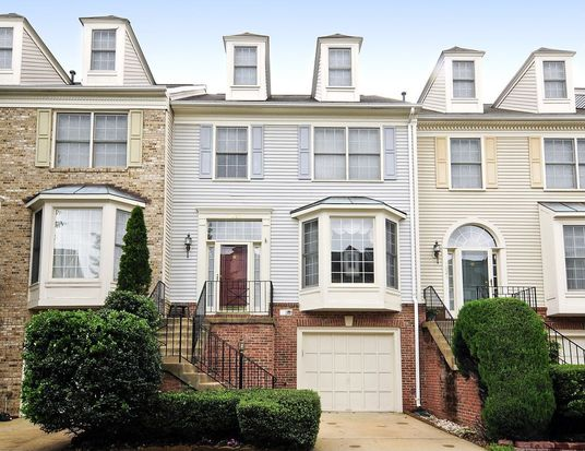 7027 Kings Manor Dr, Alexandria, VA 22315