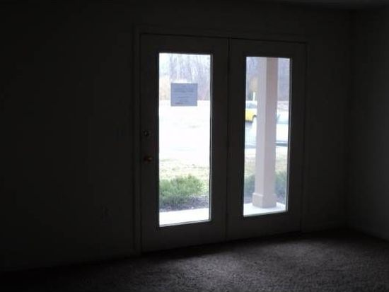 8901 Hunters Creek Dr APT 101, Indianapolis, IN 46227