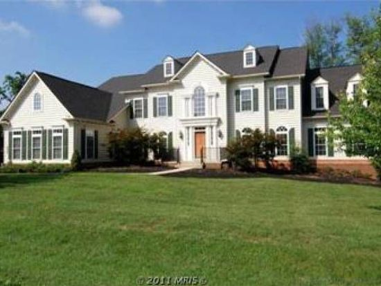 6918 Tanglewood Dr, Warrenton, VA 20187