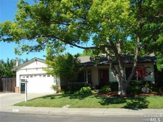 156 Northpark Dr, Vacaville, CA 95688