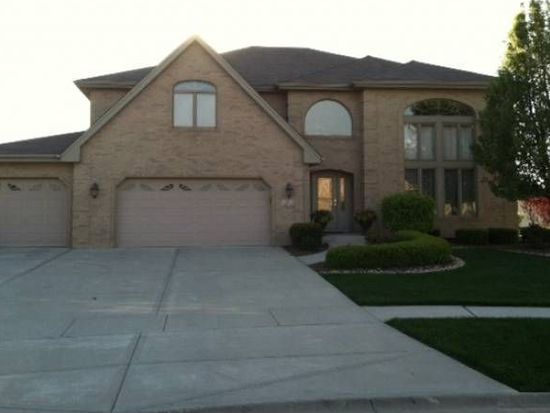 2 Abbey Ct, Woodridge, IL 60517